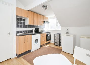 Thumbnail 2 bed flat to rent in Autumn Place, Hyde Park, Leeds