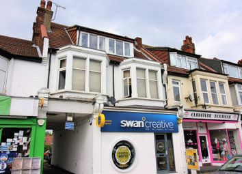 Thumbnail 2 bedroom flat for sale in Leigh Road, Leigh-On-Sea