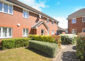 Thumbnail 2 bed flat for sale in Chiltern Close, Chelmsford