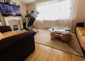 Thumbnail 3 bed flat to rent in East Crescent, London