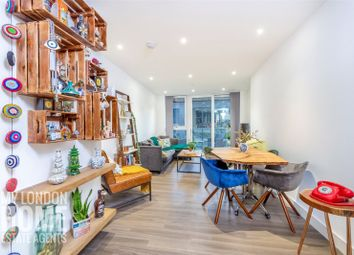 2 bed flat for sale in Pinto Tower, Nine Elms Point, Vauxhall767 SW8