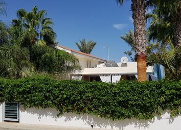 Thumbnail 3 bed villa for sale in Meneou, Pervolia, Larnaca, Cyprus