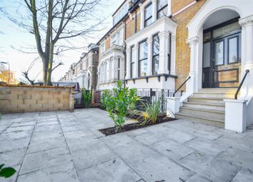Queens Drive, London N4. 2 bed flat