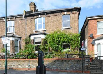 5 bed property to rent in Nicoll Road, London NW10