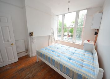 Thumbnail 3 bed flat to rent in Caledonian Road, Islington