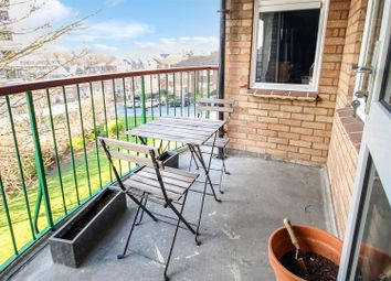 Thumbnail 3 bed flat for sale in Grove Hill, Brighton