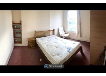 Thumbnail 5 bed flat to rent in Battersea Park Road, London