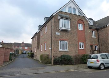 Thumbnail 2 bed flat to rent in Wincliff Road, Tonbridge