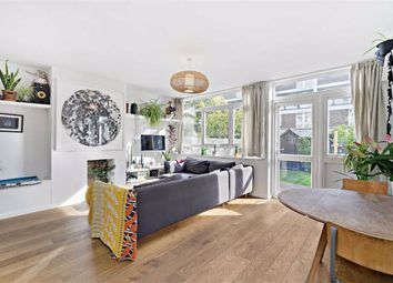3 bed flat for sale in Globe Road, London E1
