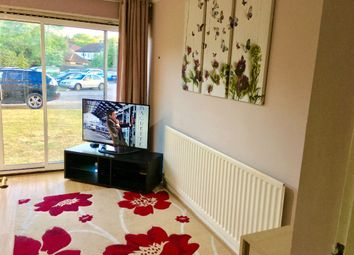 Thumbnail 3 bed flat to rent in Royston Gardens, London