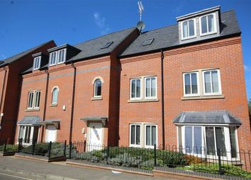 2 bed flat for sale in Bridge Court, Banbury, Oxon OX16