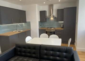 2 bed flat to rent in Mutley Plain, Mutley, Plymouth PL4