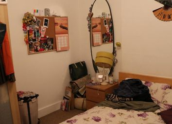 Thumbnail 3 bedroom flat to rent in Stockwell Green, Stockwell, London