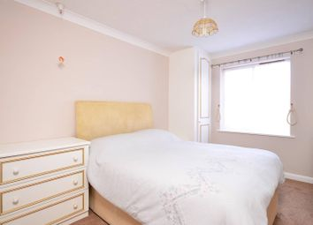 Thumbnail 1 bed flat for sale in Allingham Court, Summers Road, Farncombe