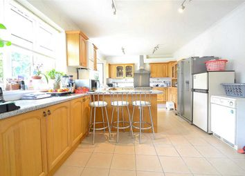 Thumbnail 6 bed terraced house to rent in Lakeside Avenue, Redbridge, Ilford