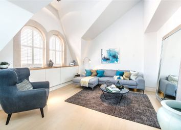 Thumbnail 3 bed flat to rent in Green Street, Mayfair, London