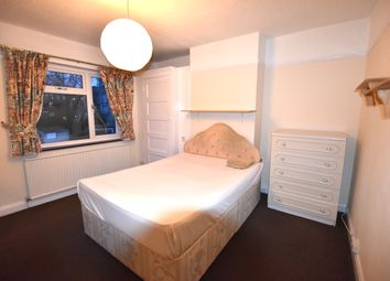 Thumbnail 1 bed flat to rent in Kings Avenue, Greenford