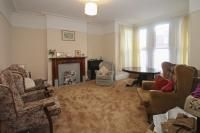 4 bed terraced house to rent in Airlie Gardens, Ilford IG1
