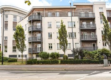 Thumbnail 2 bedroom flat to rent in Kingsquarter, Maidenhead