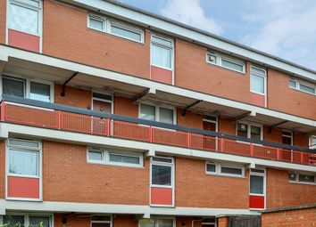 3 bed maisonette to rent in Canada Estate, London SE16