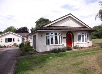 Thumbnail 4 bed bungalow for sale in Potter Hill Road, Collingham, Newark
