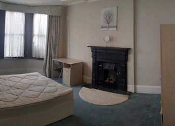 Thumbnail 5 bed terraced house to rent in Lodge Road, Hendon