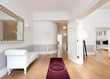 Thumbnail 3 bed flat to rent in Hertford Street, Mayfair