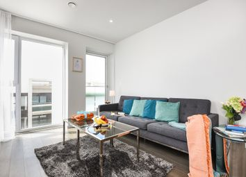 Thumbnail 2 bed flat to rent in York Way, London