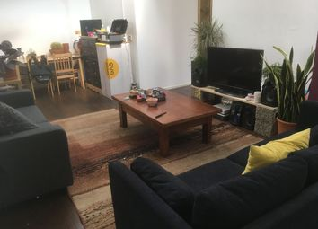 Thumbnail 6 bed flat to rent in Vale Road, London