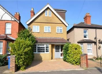 Thumbnail 4 bed detached house for sale in Alwyn Road, Maidenhead