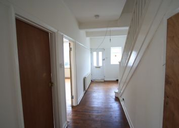 Thumbnail Studio to rent in Glencarin Road, Streatham
