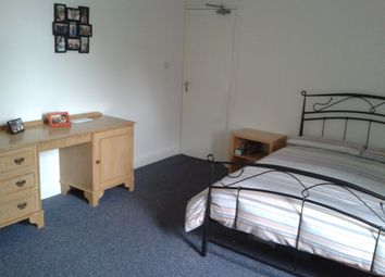 Thumbnail 1 bed flat to rent in Regent Park Terrace, Leeds