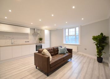 Thumbnail 2 bed flat to rent in Castle Hill, Reading