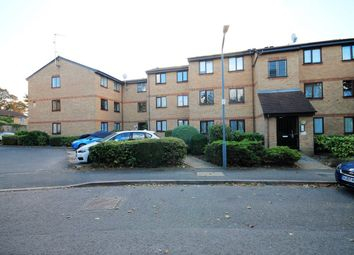 Thumbnail 2 bed flat to rent in Avenue Road, Chadwell Heath, Romford