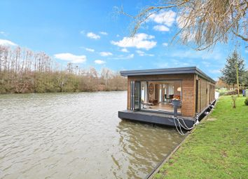 Thumbnail 2 bed houseboat for sale in Maidenhead Road, Windsor