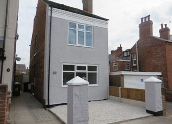 Thumbnail 2 bed detached house for sale in Queens Square, Eastwood