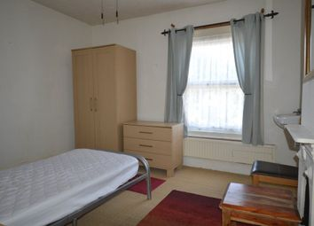 Thumbnail Room to rent in West Parade, Peterborough