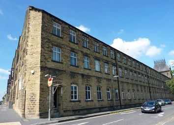 Thumbnail 2 bedroom flat to rent in Plover Road, Oakes, Huddersfield