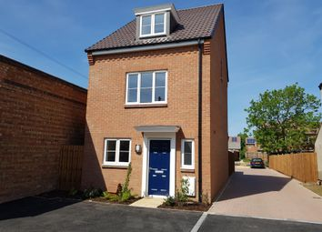 Thumbnail 3 bed town house for sale in Willow Road, Aylesbury