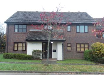 Thumbnail 1 bed flat to rent in The Oaks, Swanley