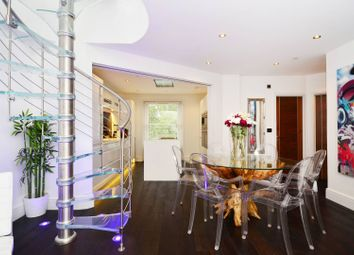 Thumbnail 3 bed flat to rent in St Pauls Road, Islington