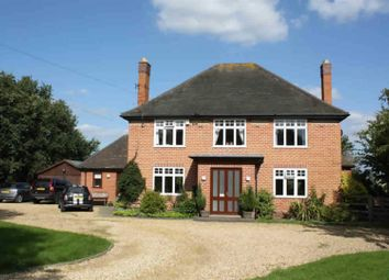 Thumbnail 3 bed detached house to rent in The Old Orchard, Lowes Lane, Wellesbourne, Warwick