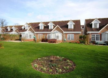 Thumbnail 2 bed bungalow for sale in 25 Benningfield Gardens, Castle Village, Berkhamsted, Hertfordshire