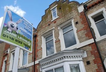 Thumbnail 1 bedroom flat to rent in Fosse Road Central, Off Hinckley Road, Leicester