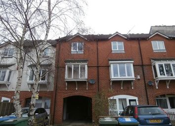Thumbnail 3 bedroom town house to rent in Berkeley Close, Shirley, Southampton