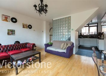Thumbnail 3 bed flat to rent in Pitfield Street, Hoxton, London