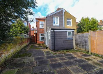 4 bed semi-detached house to rent in Avenue Road, Southampton SO14