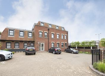 Thumbnail 2 bedroom flat to rent in 11 Pembroke Court, Thompsons Close, Harpenden