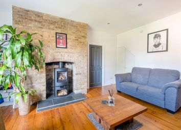Essex Road, London N1. 2 bed maisonette