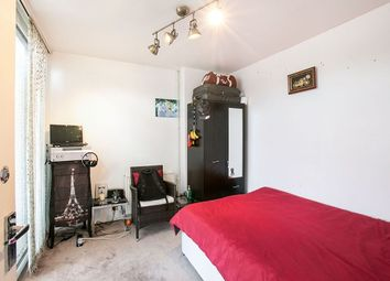 Thumbnail Terraced house to rent in Manor Grove, London